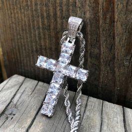 Colgante de Cruz de Corte Princesa de Plata con Diamantes