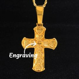 Colgante Cruz de Oro con Diamantes con Grabado Letra