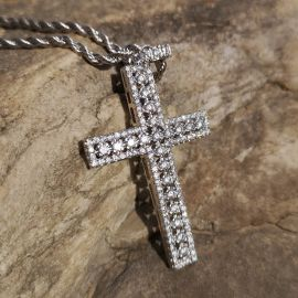 Colgante Cruz de Plata con Diamantes,diseños huecos