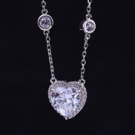 Collar de plata de ley S925 con halo en forma de corazón