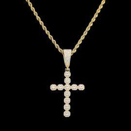 Colgante de Cruz de Oro con Diamante de Corte Redondo
