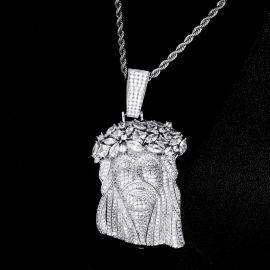 Colgante Gigante de Jesús con Diamantes
