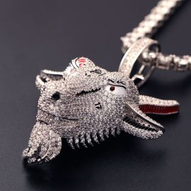 Colgante de Cabeza de Cabra de Plata con Diamantes