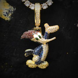 Colgante de Pájaro Carpintero de Oro con Diamantes