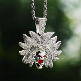 Colgante de súper villano con diamantes