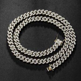 Cadena Cubana de 8 mm de Oro para Mujeres con Diamantes