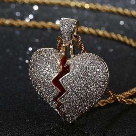 Colgante de Corazón Roto con Diamantes