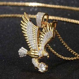 Colgante de Águila Voladora con Diamantes