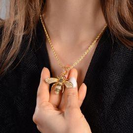 Colgante de Abeja con Diamantes de Oro para Mujeres