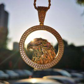 Colgante de Águilat de Oro de 18K con Diamantes