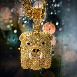 Colgante de oro con diamantes, diseño Bully Pitbull