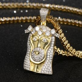 Colgante de Jesús con Diamantes