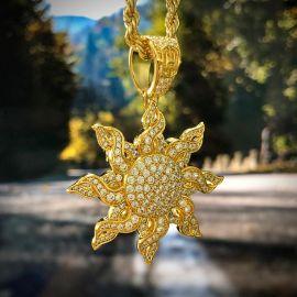 Colgante de Sol con Diamantes de Oro