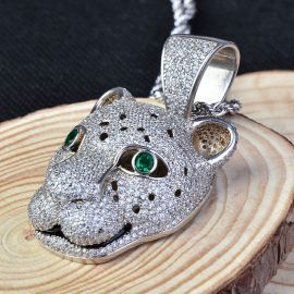 Colgante de Leopardo de Plata con Diamantes