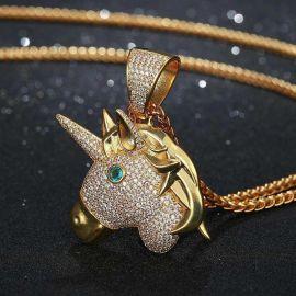 Colgante de Unicornio de Oro con Diamantes
