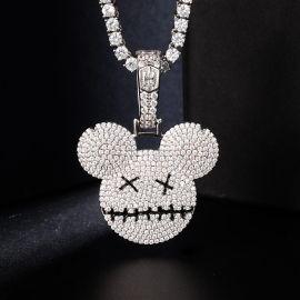 Colgante de ratón de dibujos animados de plata con diamantes