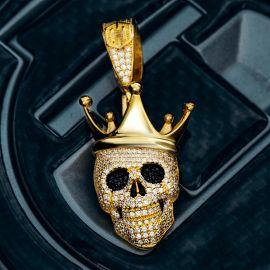 Colgante de Cráneo con Corona de Rey de Oro con Diamantes