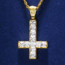 Colgante Cruz al revés de Oro