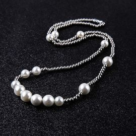 Collar de Perlas con Bola de Acero