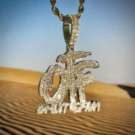 Colgante ONLY THE FAM con Diamantes con Cadena de Cuerda de 24