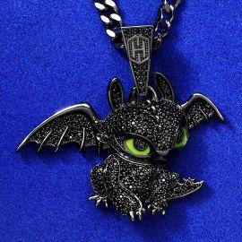 Colgante de Pequeño Dragón de Oro Negro con Diamantes