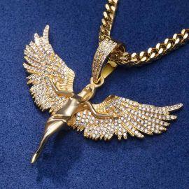 Colgante de ángel de oro con diamantes