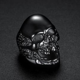 Anillo en forma de Cráneo en Acero de Titanio de Oro Negro