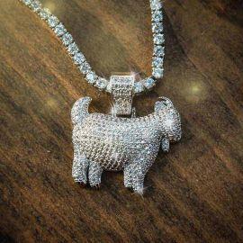 Colgante de Cabra de Plata con Diamantes