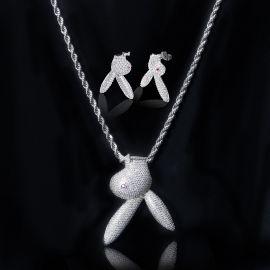 Juego de Colgante y Pendientes de Cabeza de Conejo de Plata con Diamantes