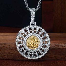 Allahu Akbar Colgante Redondo de Plata con Diamantes