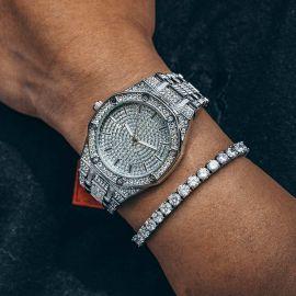 Reloj de lujo con esfera en forma de octágono de plata con diamantes