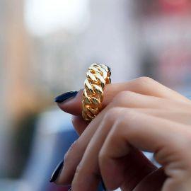 Anillo Cubano de 10mm para Mujer de Oro