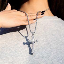 Colgante Cruz con Diamante Baguette para Mujer