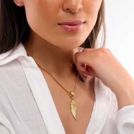 Colgante Mediano de Ala de Ángel para Mujer de Oro