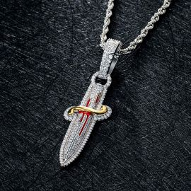 Colgante de Espada de Plata con Diamantes