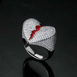 Anillo Corazón de Plata con Diamantes