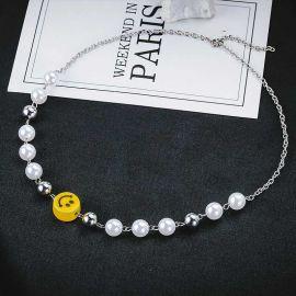 Cadena de Perla con Cara Sonrisa