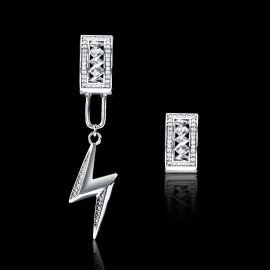Pendientes Asimétricos Relámpago con Diamantes