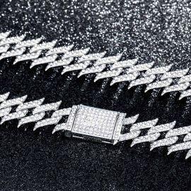 18mm Cadena Cubana Claveteada con Diamantes de Plata