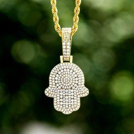 Colgante en forma de Jamsa con Diamantes
