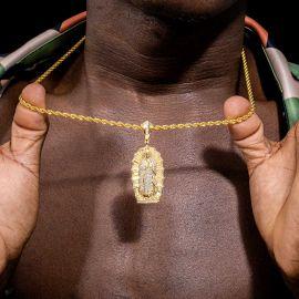 Colgante Virgen María con Diamantes de Oro