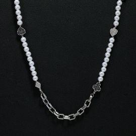 Collar de Perlas de Cable con Traje de Naipes con Diamantes