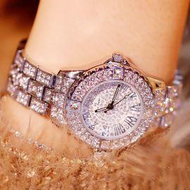 Reloj con Números Romanos de Plata con Diamantes para Mujer